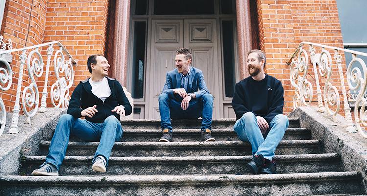 10 blue - Irish music artist