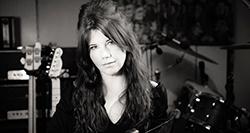 Linda Em - Irish music artist